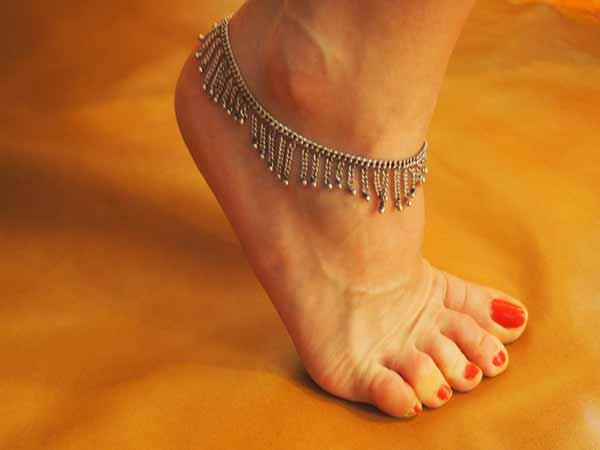 grossiste bijoux indiens chevillères metal argenté bracelet de cheville grossiste chaine de cheville grossiste bijoux indiens grossiste accessoires mode collection femme grossiste bijouix grossiste vente en gros bijoux fantaisie