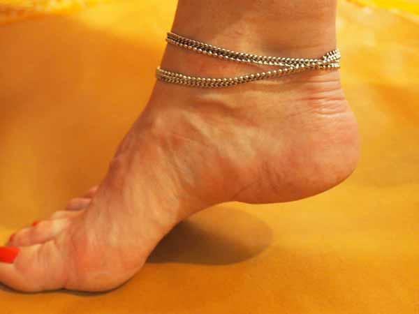 grossiste bijoux indiens chevillères metal argenté bracelet de cheville grossiste chaine de cheville grossiste bijoux indiens grossiste accessoires mode collection femme grossiste bijoux grossiste vente en gros bijoux fantaisie metal argenté